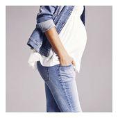 Denim forever ✨  Slim, skinny, bootcut, straight,... en brut, gris, noir, washed... un large choix de coupes et coloris de jeans à retrouver en boutique et sur le site, il y a forcément le vôtre ✨  #jean #denim #grossesse #futuremaman #materniteboutique #femmeenceinte #denimlove #pregnant #maternityfashion #babybump #mumtobe #mumtobe2019 #mum #enceinte #conceptstore #dinan #inelle